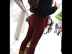 Voyeur Broad 20 - Red-hot Leggings Teenie