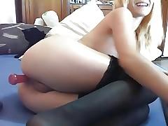 Fake-Blonde likes Anal-Games